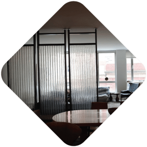 Clear corrugated chicken wire glass room dividers